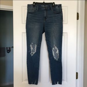 Mid-Rise Rockstar Ankle Jeans